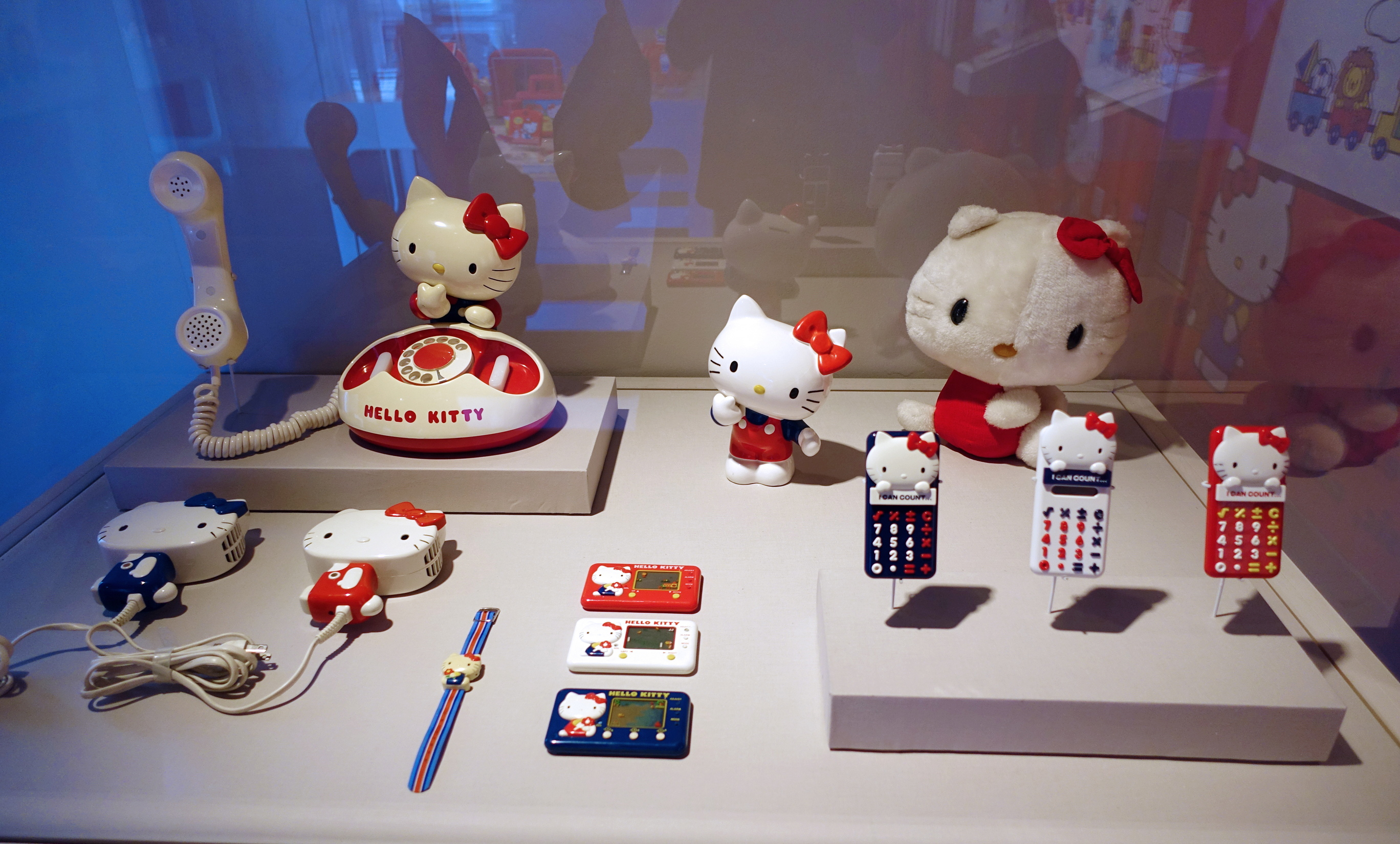 Hello-Kitty-For-Everyone02