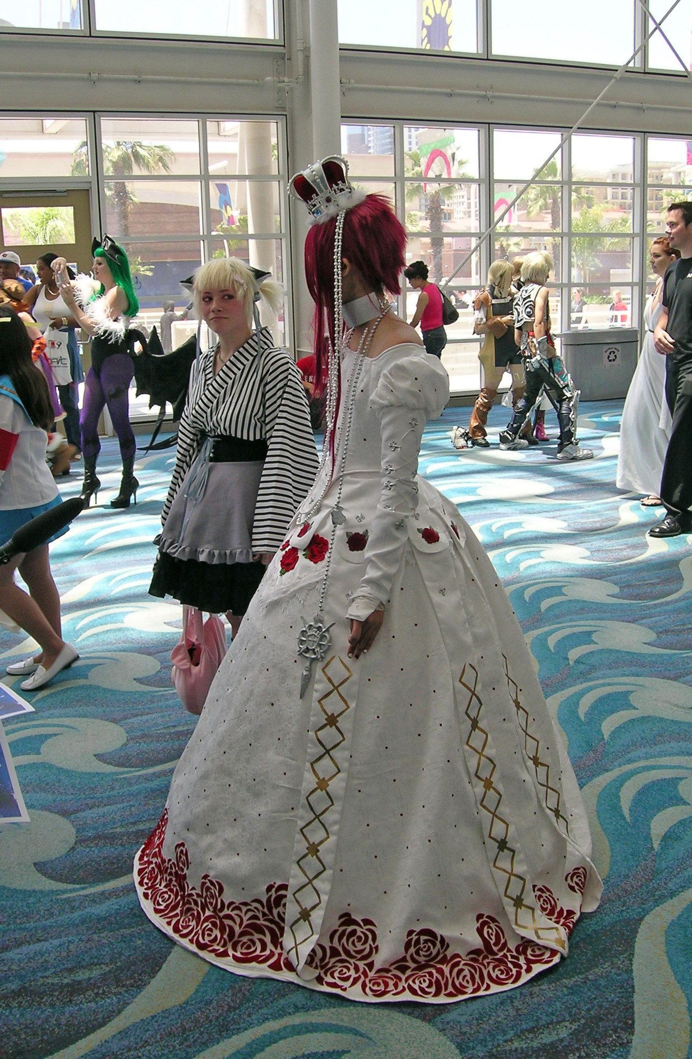 Anime-Things-In-Dresses-and-Gowns-Gallery06