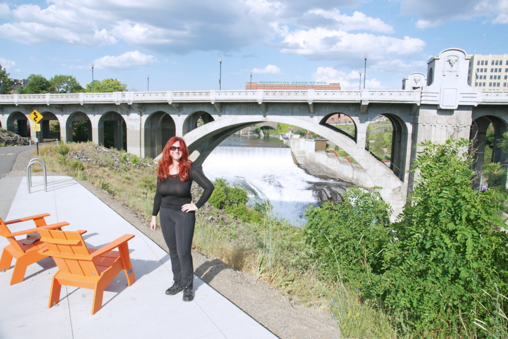 Notice the comfy chairs for those wishing to relax and view the Monroe Street Bridge.