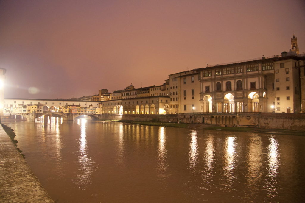 Ponte Vecchio at night.