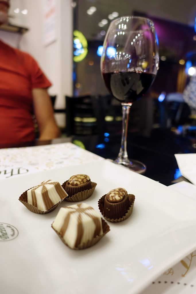 Chocolate and red wine: our favorite!
