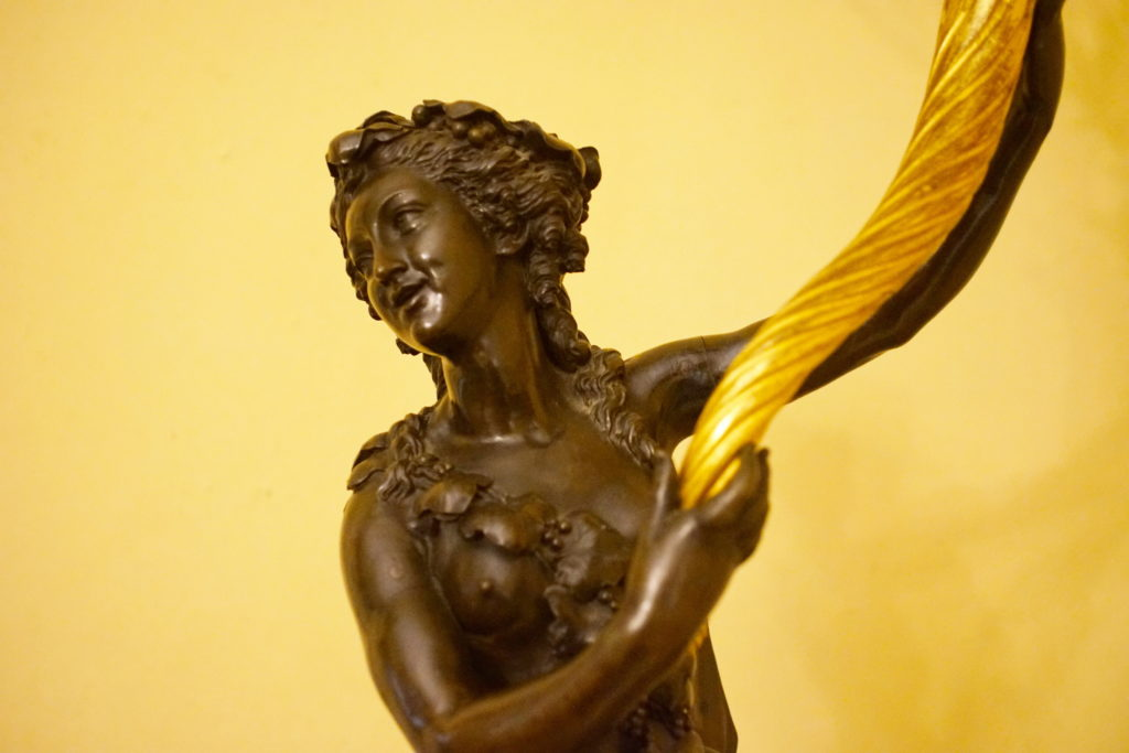 An example of the extraordinary detail bronze workers are capable of.