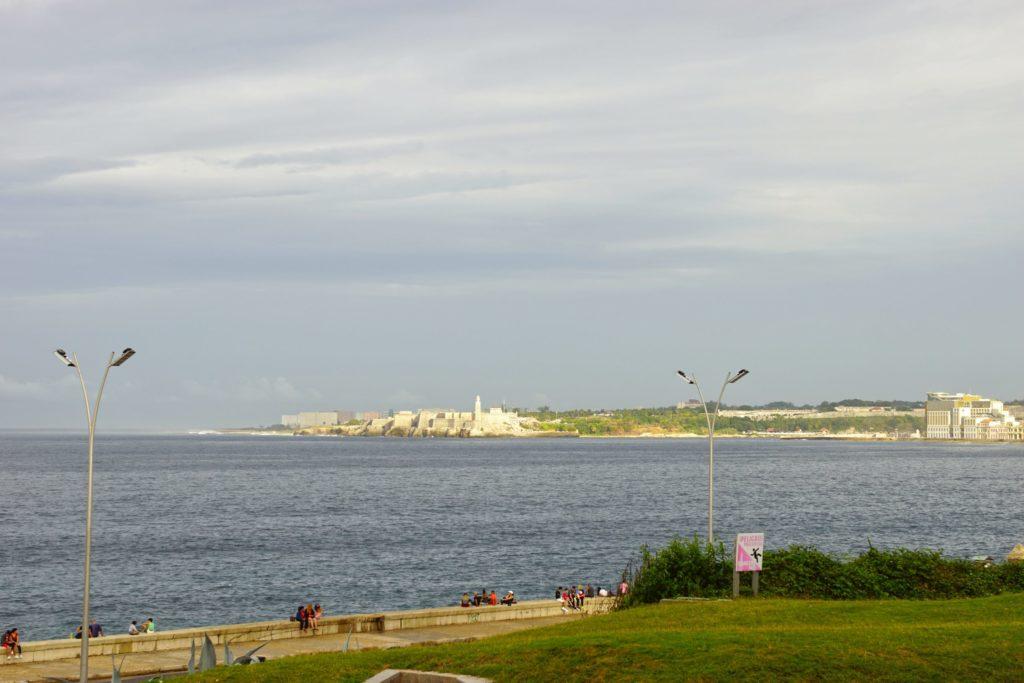 A view across to the Castillo de los Tres Reyes Magos del Morro.