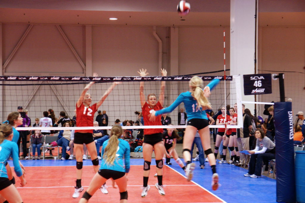 Ideally, the contact with the ball is made at the apex of the hitter's jump.