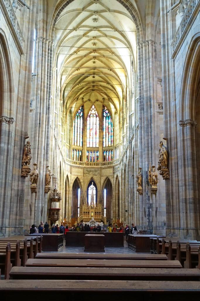 That's not a transept. THAT'S a transept.