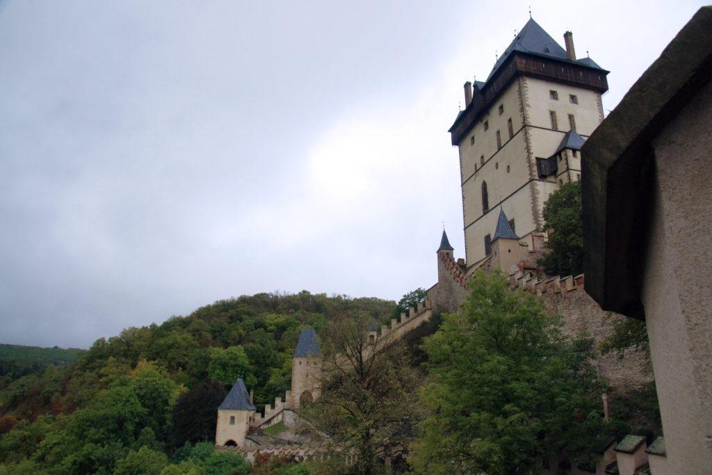 A proper view of the castle.